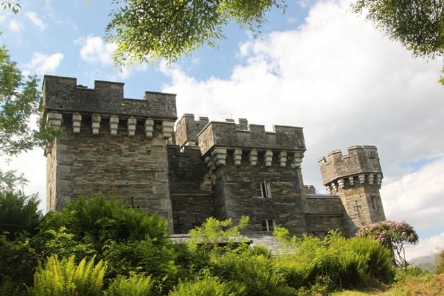 06.08.27 - Wray Castle