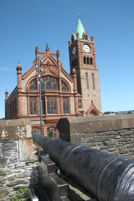 07.10.21 - City Walls and Guildhall