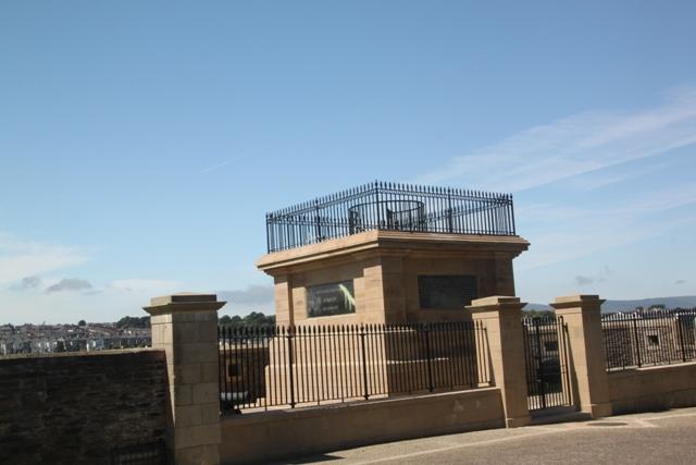 07.10.30 - Walker Memorial