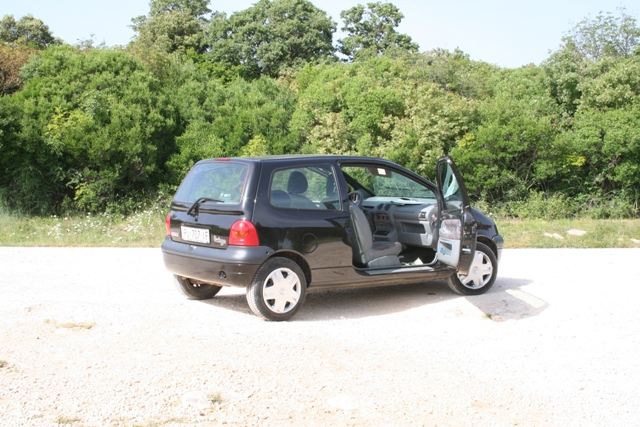 06.17 - Porec.21 - our Twingo