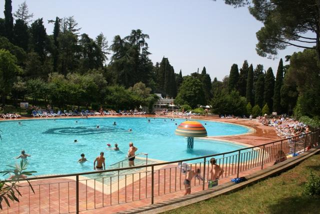 06.22 - 8 - Hotel Eden Swimming Pool