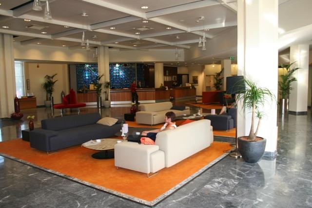 06.23 - 11 - Hotel Eden reception