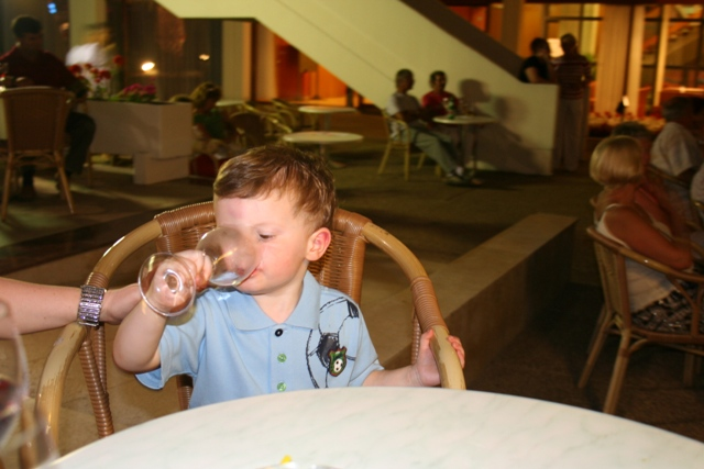 06.23 - 12 - Hotel Eden in the evening