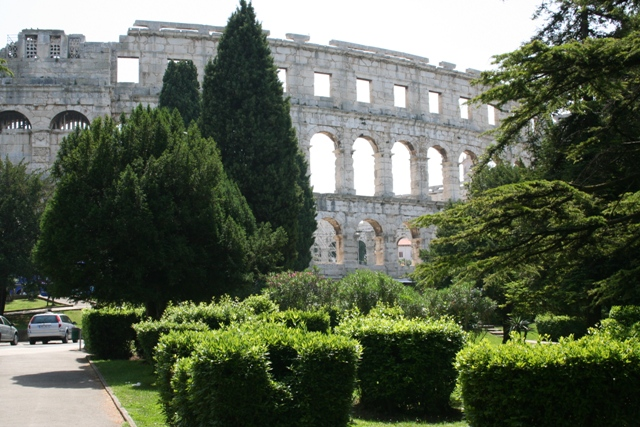 06.18 - 01 - Amphitheatre at Pula