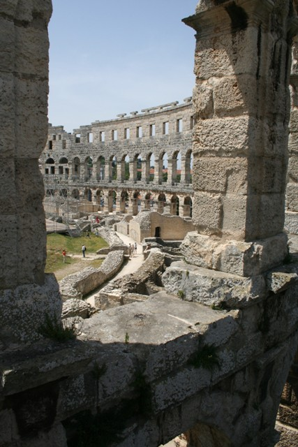 06.18 - 04 - Amphitheatre at Pula