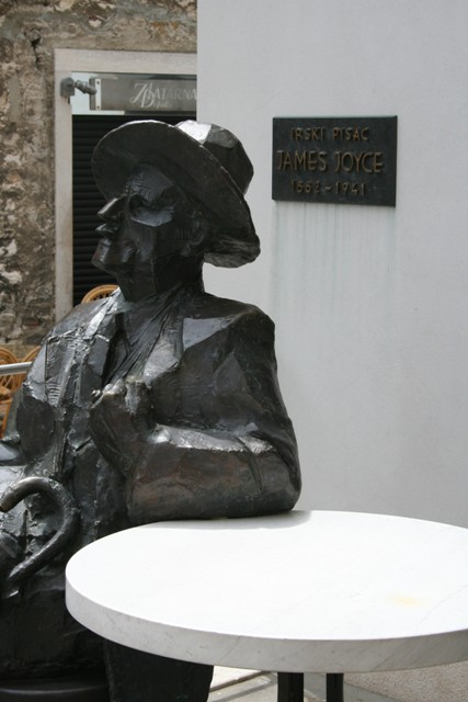 06.18 - 11 - James Joyce statue in Pula