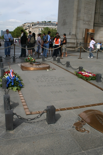 09.08 - 10 - Arc de Triomphe - Tomb of Unknown Soldier