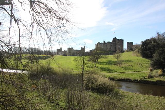 04.08.04 - Alnwick Castle