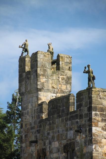 04.08.09 - Alnwick Castle