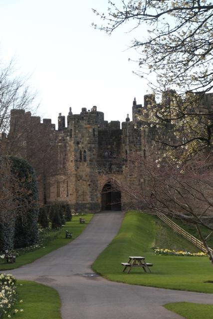 04.08.103 - Alnwick Castle