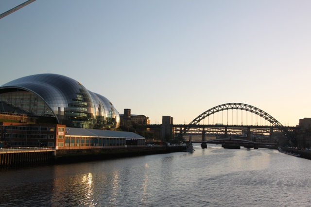 04.08.110 - Strolling on the Quayside