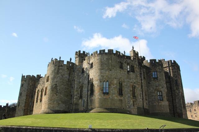 04.08.33 - Alnwick Castle