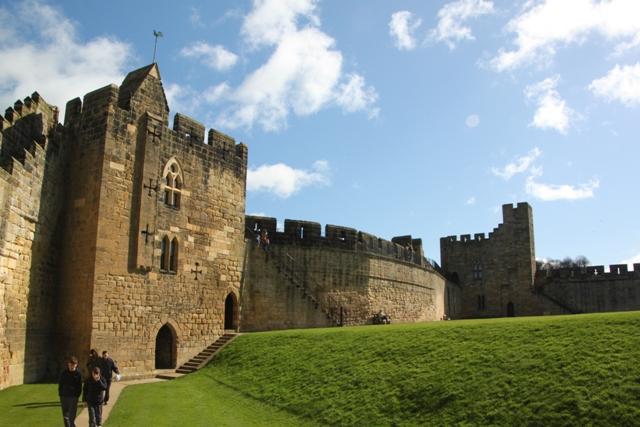 04.08.34 - Alnwick Castle