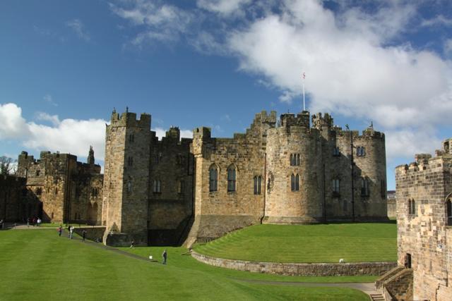 04.08.38 - Alnwick Castle