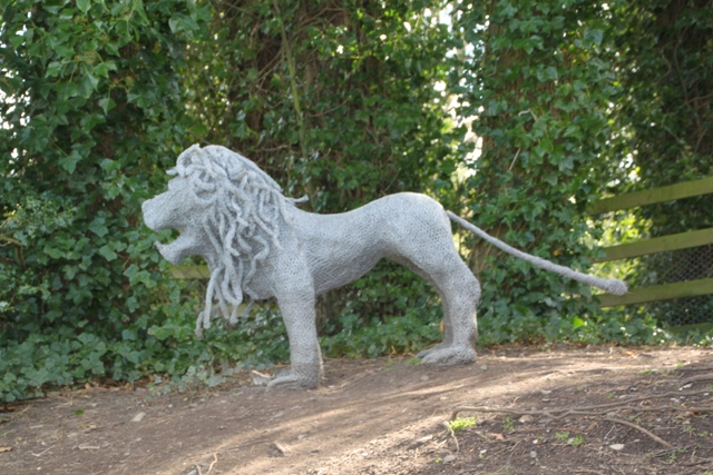 04.08.91 - Alnwick Castle gardens