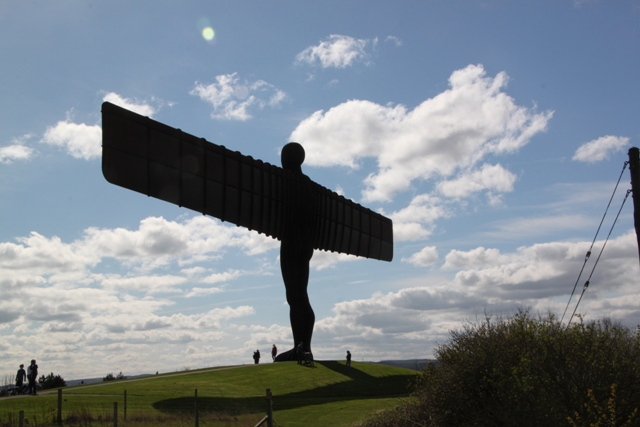 04.11.35 - Angel of the North