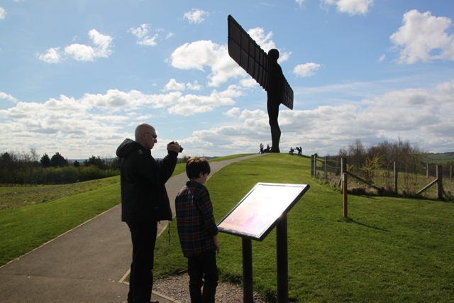04.11.36 - Angel of the North