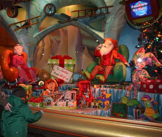 12.03.16 - Macys Christmas Windows