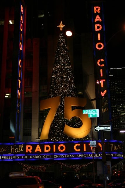 12.03.31 - Radio City Music Hall