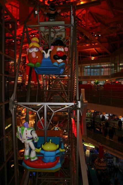 12.04.25 - Toys R Us Ferris Wheel