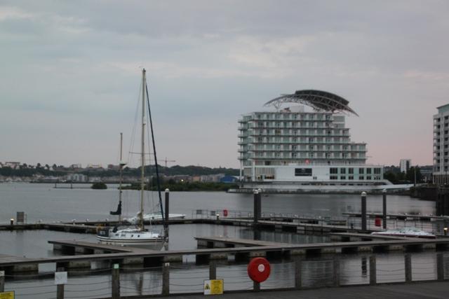 06.23.86 - Cardiff Bay