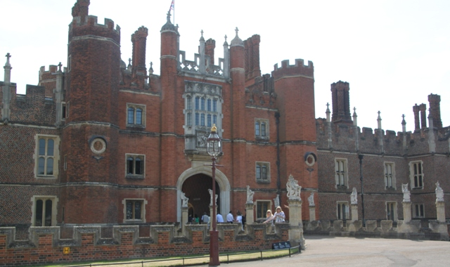 07.30.11 - Hampton Court Palace