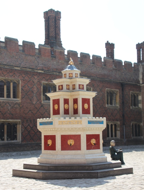 07.30.42 - Hampton Court Palace