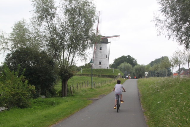 08.08.15 - Cycling to Damme