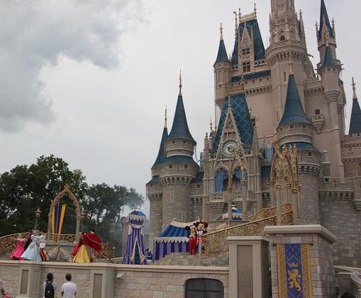 10.21.0086 - Mickey Show
