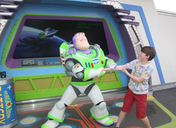 10.21.033 - Buzz Lightyear
