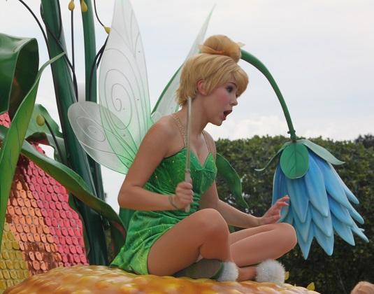 10.21.076 - The parade
