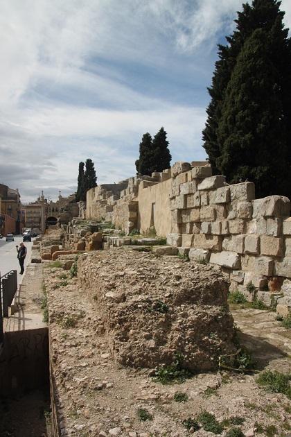 03.30.048 - Roman walls