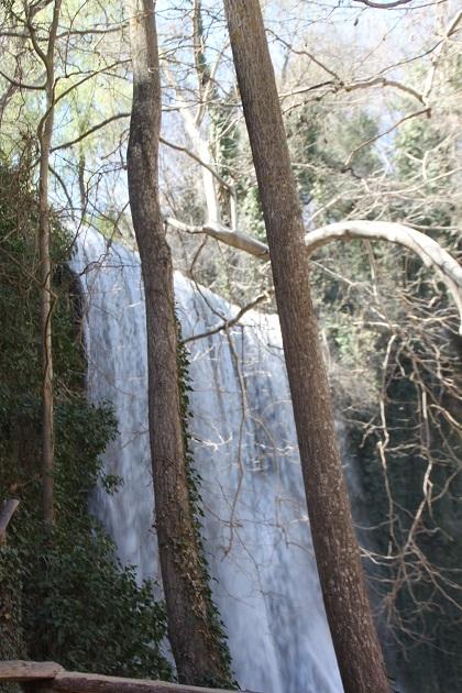 04.02.041 - Waterfalls