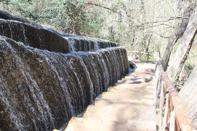 04.02.055 - Waterfalls
